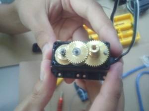 Reparando un servomotor